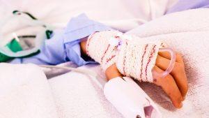 copil, patul de spital