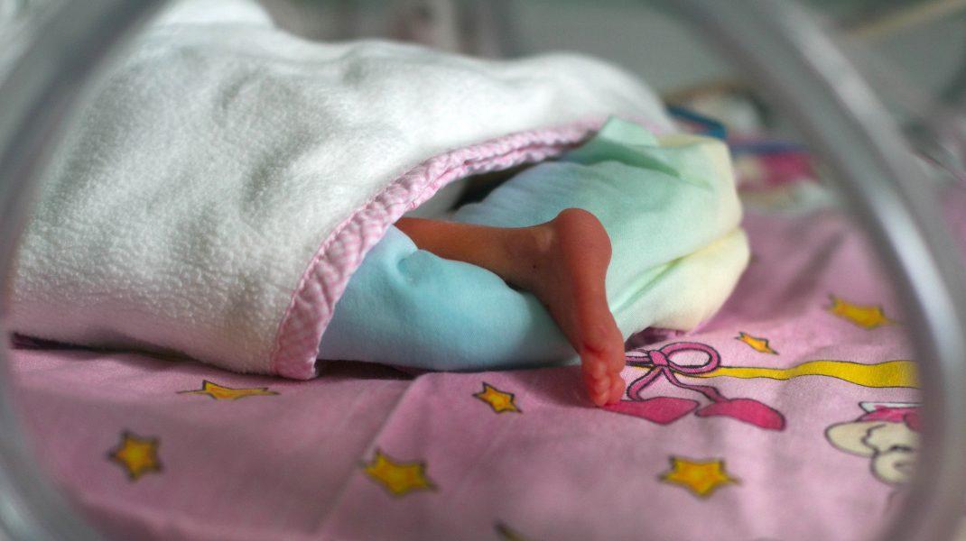 mortalitate infantila copil bebelus