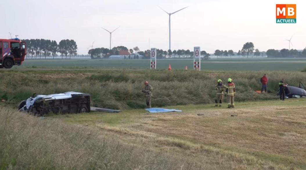 Un microbuz plin cu sezonieri români s-a răsturnat în Olanda. Doi bărbați au murit