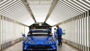 Industria auto suferă în anul 2020. Ce sector auto înregistrează scăderi mari în vânzări
