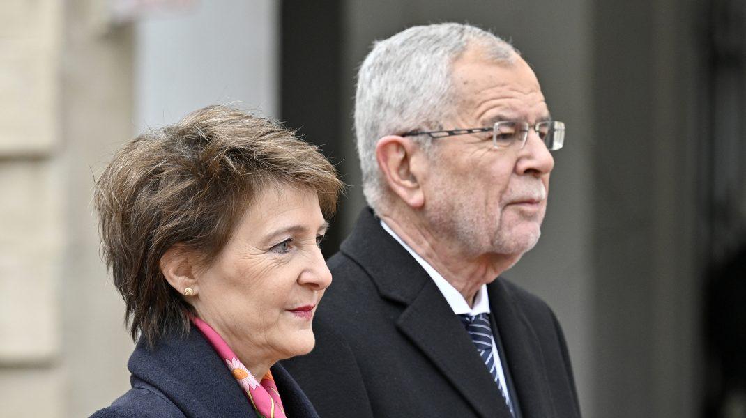 Președintele Austriei prins la restaurant după ora 23:00. Cum a justificat încălcarea restricției