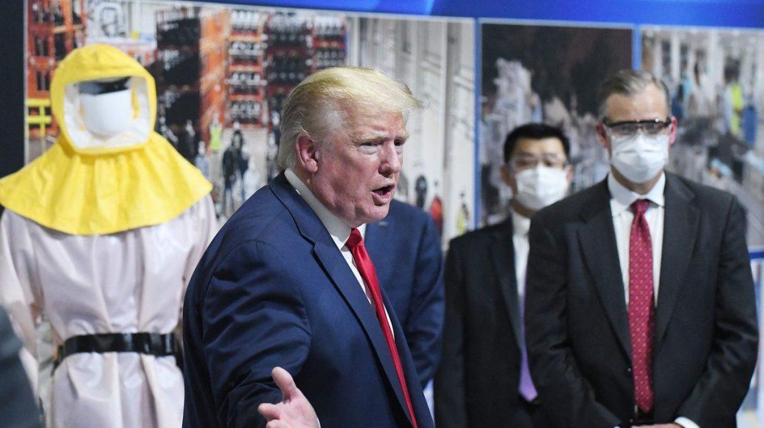 De ce nu îl vezi pe Trump cu mască niciodată. Explicațiile președintelui american