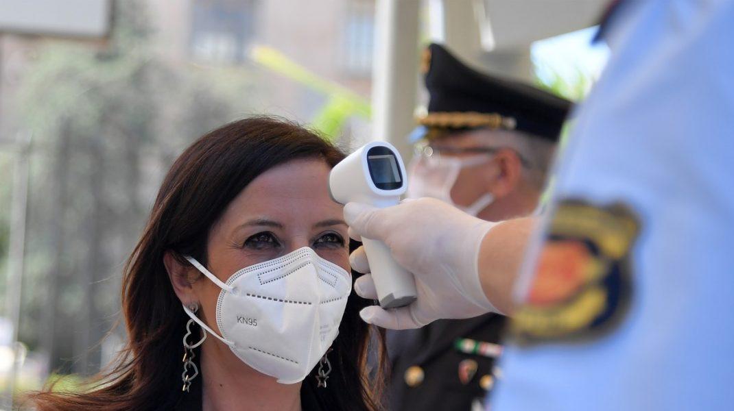 Reacția Ministerului Sănătății după ce mai mulți români s-au plâns că li se ia temperatura