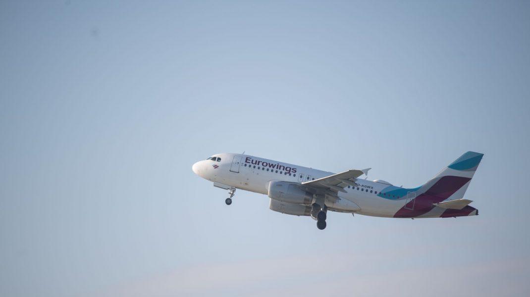 Un Airbus A320 Eurowings, cu 2 pasageri a zburat spre Italia, dar aeroportul era închis și s-a întors