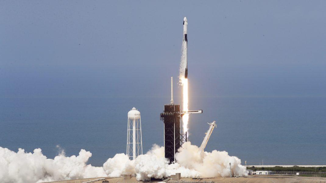Uite ce n-ai văzut la lansarea SpaceX. VIDEO