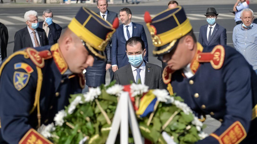"""Orban a depus o coroană de flori la monumentul Mineriadei. Declarațiile premierului: """"Vinovații nu sunt de găsit"""". VIDEO"""