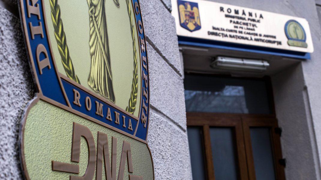 Șeful Poliției Economice din cadrul Poliției Capitale, destituit din funcție. DNA l-a găsit inculpat într-un dosar de corupție