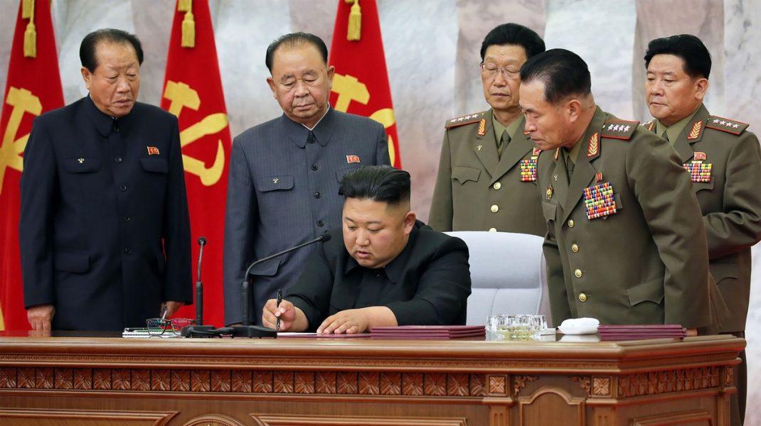 Dictatorul Coreei de Nord îi obligă pe bogați să scoată țara din criză. Cum sunt pedepsiți cei care refuză