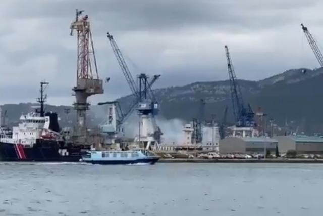 Incendiu la bordul unui submarin nuclear aflat în reparaţii, în Franţa. Mai multe persoane au fost evacuate