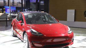 Tesla face rabat la calitate. Cum construiește mașini pentru a menține un număr mare de unități produse