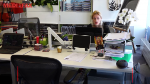 Studiu: întoarcerea la birou după izolare. Câți angajați sunt nerăbdători să-și revadă colegii și cine preferă mediul de lucru virtual