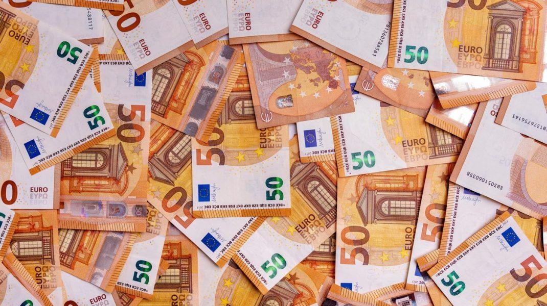 Bancnote false de 50 de euro, distribuite în cel puțin 15 orașe din România. DIICOT Timișoara și poliția au intervenit