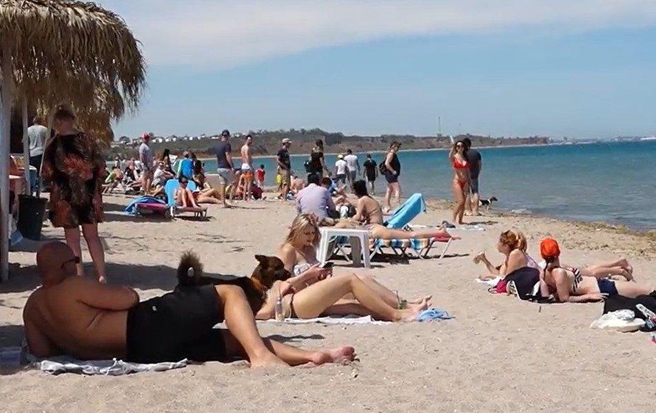 Cât au cheltuit românii în primul weekend pe litoral: bugete de sute de euro