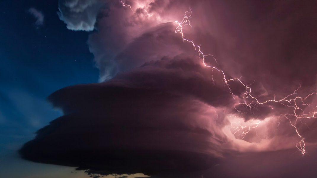 Prognoză meteo: 30 de grade cu ploi, în București. Care sunt zonele afectate de cod galben de ploi și vijelii