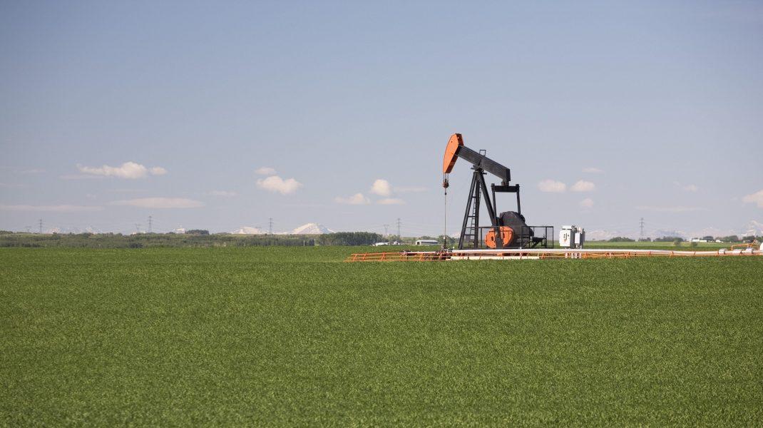 COVID-19 lovește din nou industria petrolieră: prețul unui baril este de sub 40 de dolari
