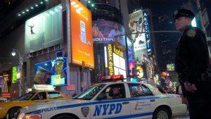 Polițiști din New York au ajuns la spital după ce s-au plâns că milkshake-urile pe care le-au consumat aveau gust de înălbitor