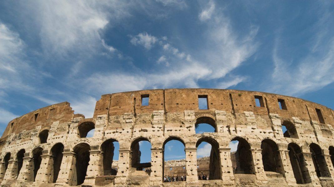 Pleci în vacanță în Italia? Luminiţa, asistentă medicală în Roma, îţi spune ce măsuri să iei ca să nu revii infectat