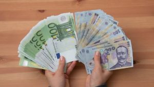 România nu îndeplineşte cele patru criterii economice pentru adoptarea monedei EURO