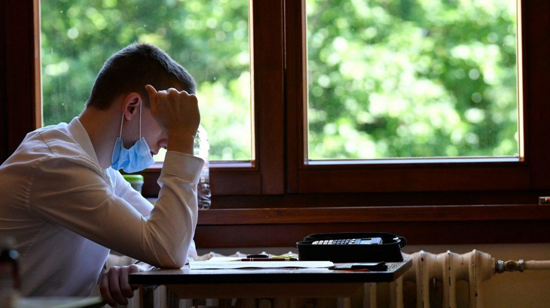 Ministerul Educației nu renunță la termoscanare. Elevii cu temperatură vor fi testaţi de patru ori