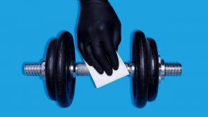 Sălile de fitness, adaptate în vreme de Covid-19. Cum arată separeurile cubice în care te poţi antrena în colectivitate