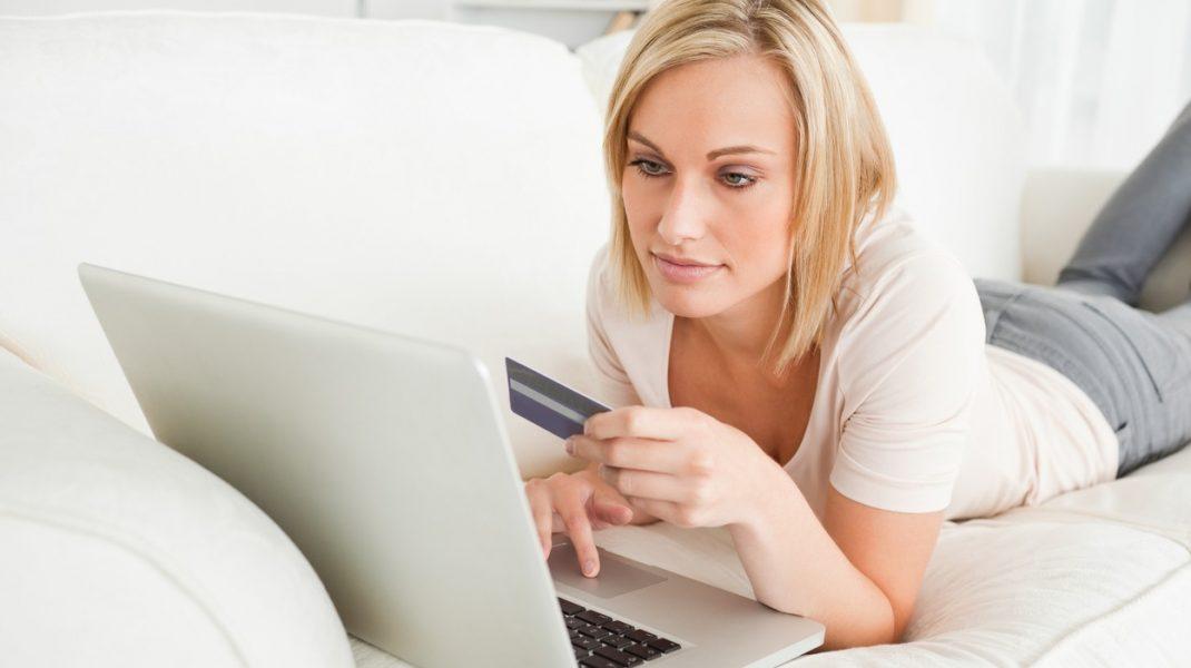 Coronavirusul a mutat sesiunile de cumpărături în online. Ce au cumpărat românii în starea de urgență și cât au cheltuit