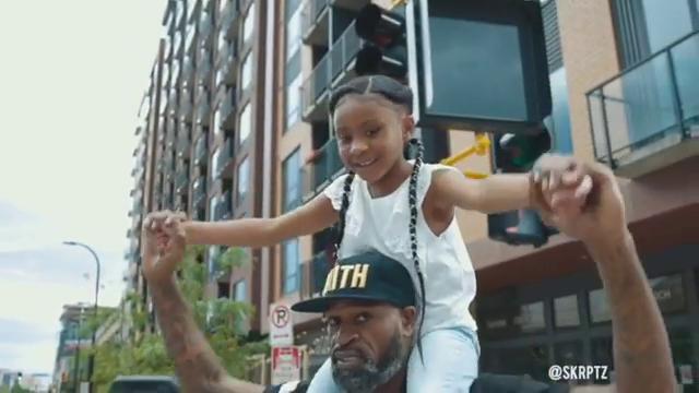 """Fetița de 6 ani a lui George Floyd nu știe cum a murit tatăl ei de fapt : """"Tata a schimbat lumea"""". VIDEO"""