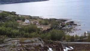 Momentul în 8 case sunt distruse de o alunecare de teren