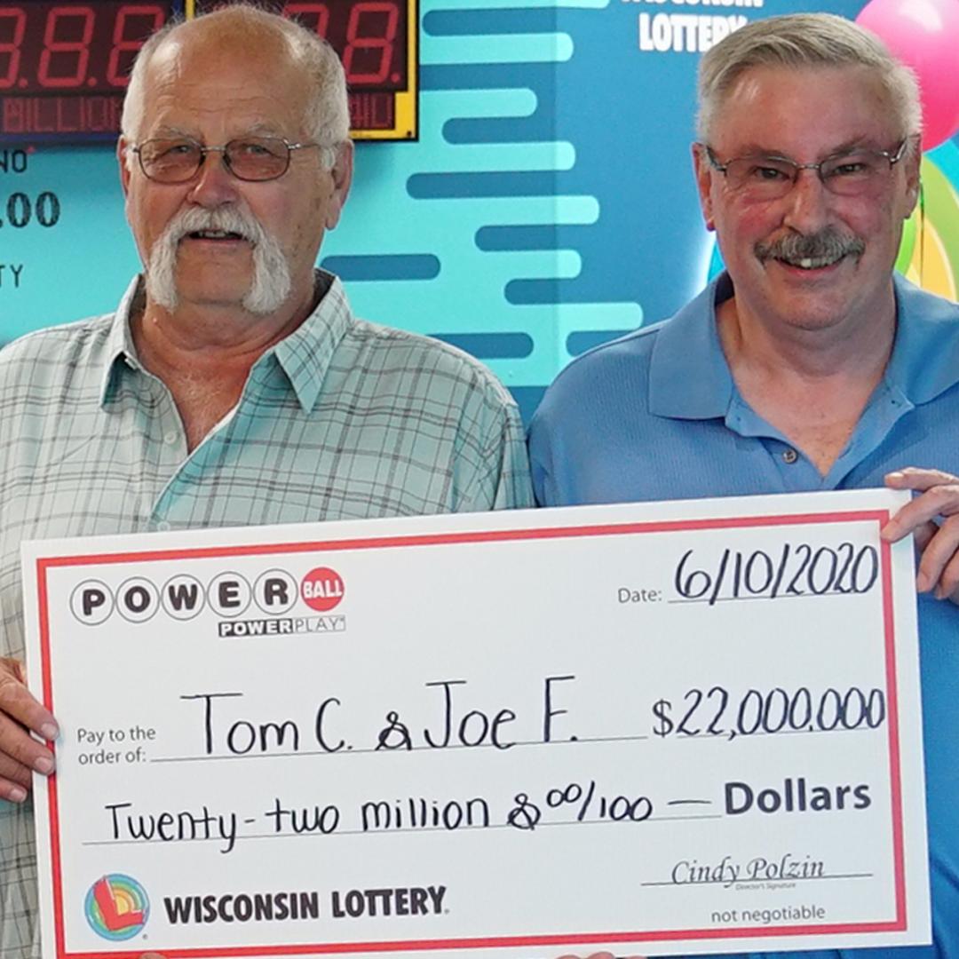 A câștigat 22 de milioane de dolari la loto și trebuie să îi împartă cu prietenul lui, așa cum a promis acum 28 de ani