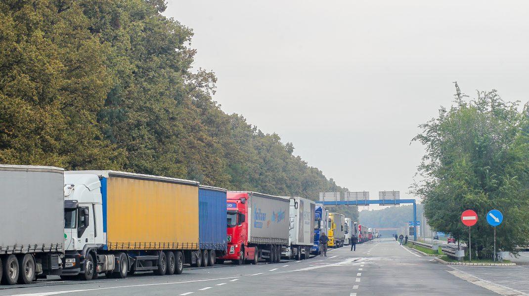 """România atacă la Curtea Europeană de Justiţie pachetul de măsuri Mobilitate 1 care ar fi """"un dezastru pentru transportul de marfă"""""""