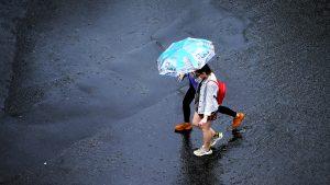 Te așteaptă vreme ploioasă: 29 de județe sunt sub avertizare Cod galben de furtuni