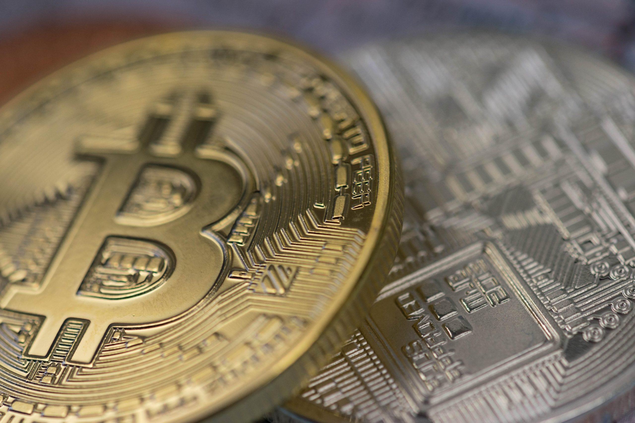 câte bitcoini au fost exploatați