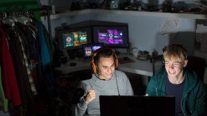 Studiu: Jocurile video nu cauzează un comportament agresiv. 21.000 de tineri au fost analizați