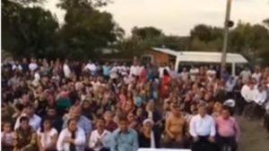 Peste 200 de gălăţeni au vrut să învingă coronavirusul prin rugăciune. Polițiștii s-au autoinvitat, dar nu pentru a se ruga