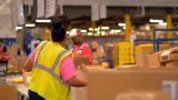 """Gigantul Amazon este acuzat că """"înghite"""" firme mici şi le fură tehnologia"""