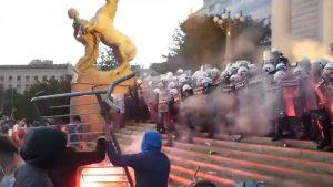 Vukasin Golubovic a ieşit la proteste la Belgrad, nemulţumit de reimpunerea noilor restricţii epidemice
