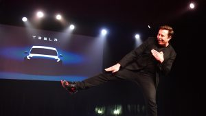 Tesla a detronat Toyota și a devenit cea mai valoroasă companie din industria auto