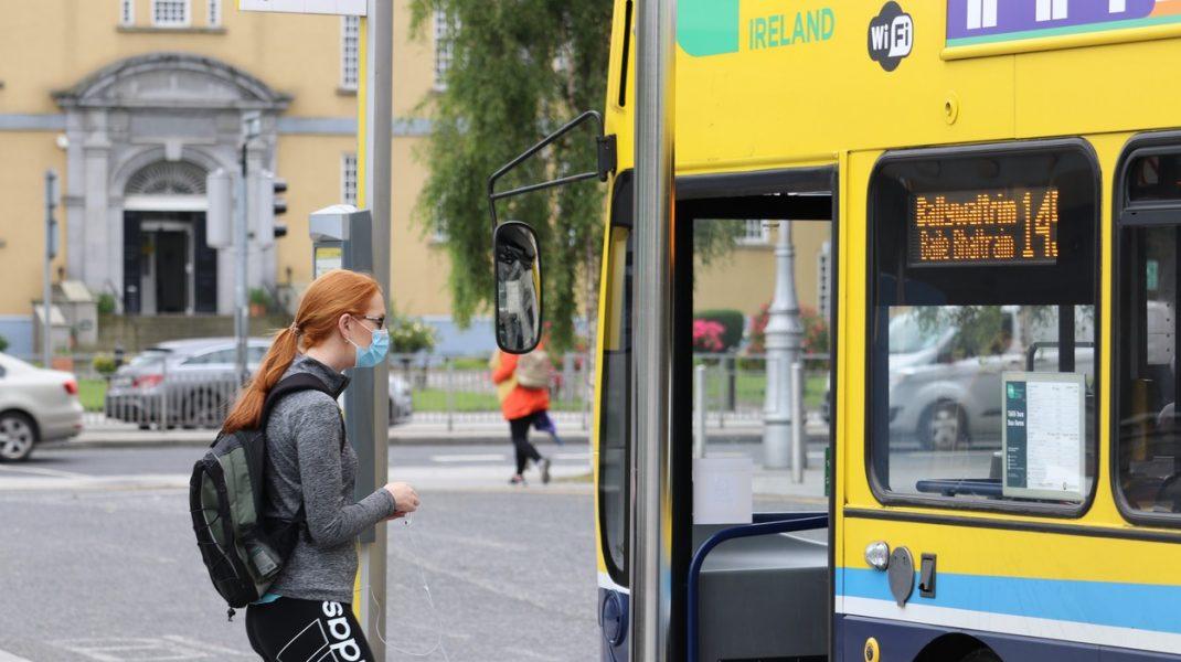 """Stai în autoizolare 14 zile la sosirea în Irlanda. România nu e pe """"lista verde"""""""