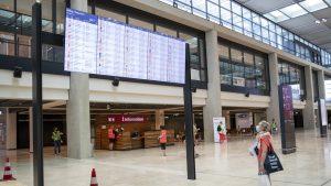 Traficul aerian global nu își va reveni până în anul 2024, după ce a fost afectat de pandemie, spune IATA