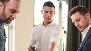 De la fotbal la fashion: Ronaldo a lansat o colecţie de ochelari de soare. La ce preț poți cumpăra o pereche