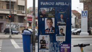 Alegeri la capitală sau bătălia starurilor. Cum te influențează afișele electorale