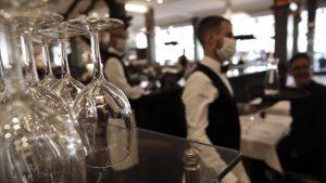 Condiţiile în care se vor redeschide la interior restaurantele şi cafenelele