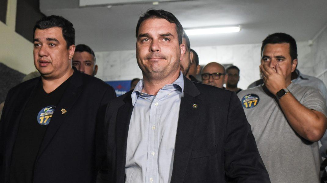 Fiul lui Jair Bolsonaro, Flavio, are coronavirus. Cu ce se tratează acasă, în izolare