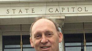 7 oameni au murit în timpul unui accident aviatic în Alaska, printre care și politicianul Gary Knopp
