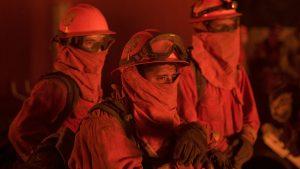 Pompier jefuit în timp ce stingea incendiul din Santa Cruz: I-au furat portofelul din autospecială și i-au golit contul bancar