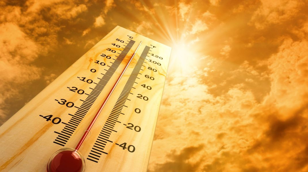 termometru care ilustreaza canicula.