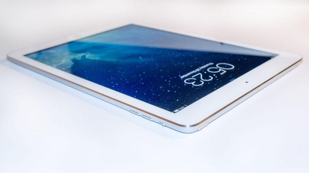 iPad Air 4: Cât costă tableta Apple și ce funcții oferă