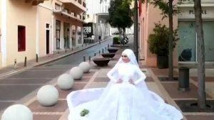 Sesiune foto întreruptă de explozia din Beirut. Momentul deflagrației, surprins de un cameraman care filma o mireasă în ziua nunții