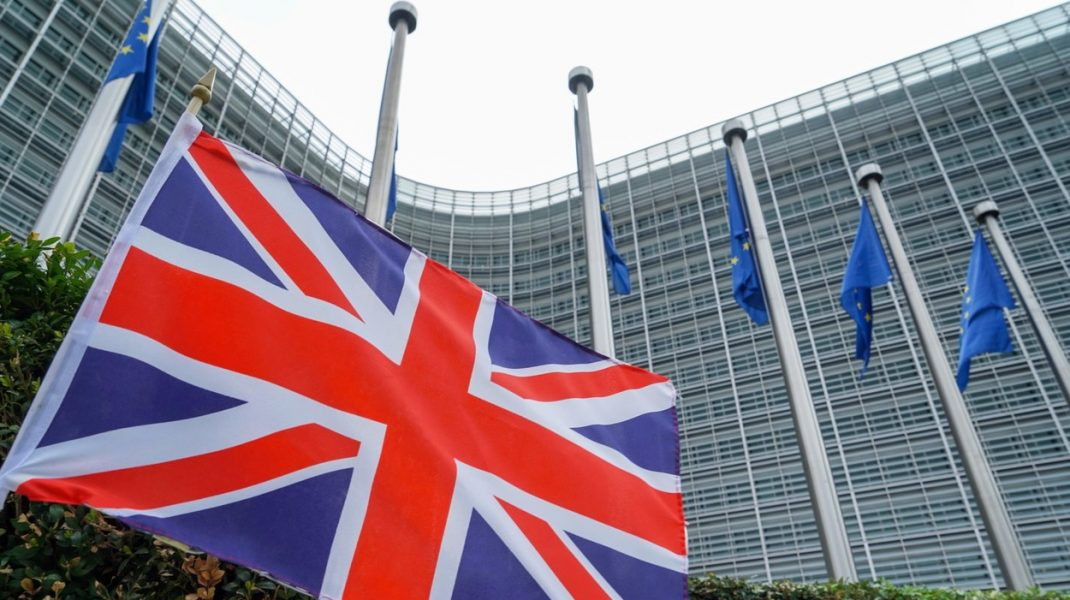 Marea Britanie a intrat oficial în recesiune