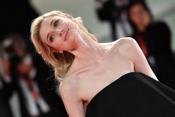 """Netflix a ales-o pe actrița care o va juca pe Prinţesa Diana în """"The Crown"""""""
