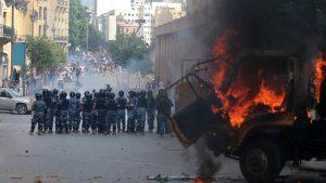Proteste violente în Beirut. Libanezii sunt furioși, forţele de ordine folosesc gaze lacrimogene